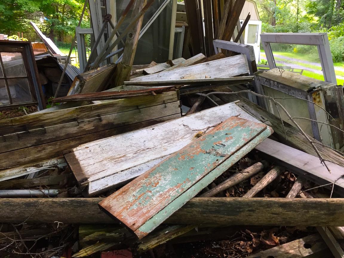 boards descending a yard